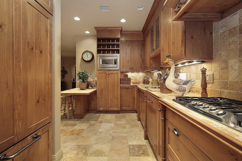美式乡村风格整体厨房橱柜效果图  棕色橱柜图片